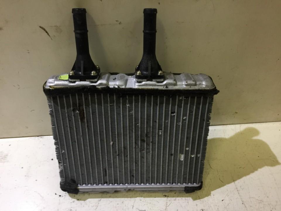 Salono peciuko radiatorius NENUSTATYTA nenustatyta Nissan ALMERA TINO 2002 2.2