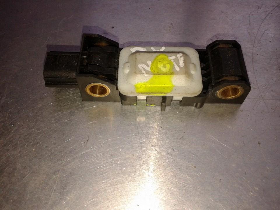 Srs Airbag crash sensor 0285003019 98830AY00A Nissan NOTE 2008 1.4