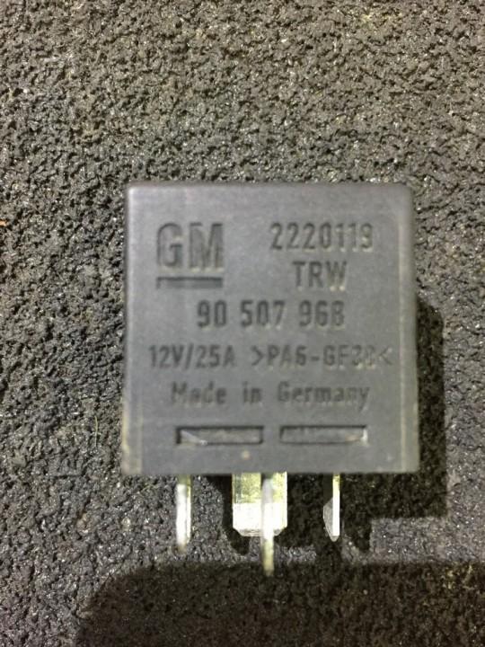 Relay module 90507968 2220119trw Opel OMEGA 1996 2.0