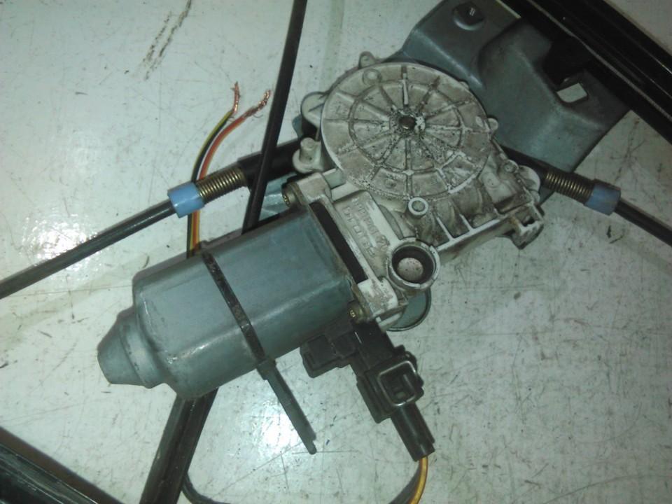 Duru lango pakelejo varikliukas P.D. nenustatytas nenustatytas Volkswagen POLO 1993 1.0