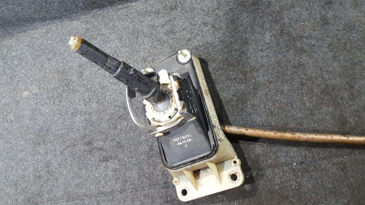 Begiu perjungimo kulisa mechanine 1J0711025C 261198, 1J0711061A, FHS8044014004 Volkswagen GOLF 1986 1.8