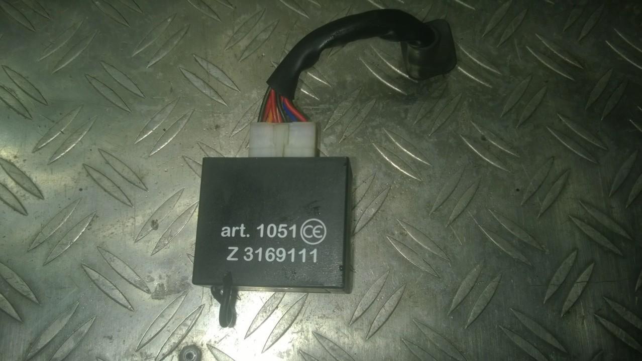 Door control relay Mitsubishi Carisma 1996    1.8 Z3169111