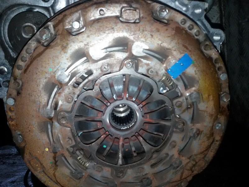 Sankabos komplektas PLAUKIOJANTI6BEGIU NENUSTATYTA Toyota AVENSIS 2011 2.0