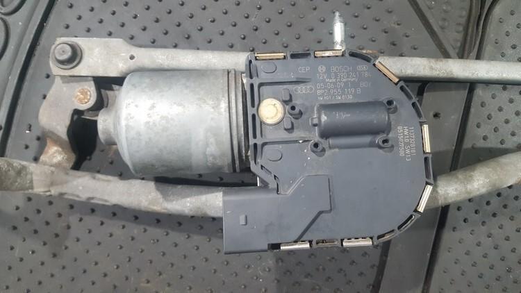 Front wiper motor Audi A3 2005    1.9 0390241784