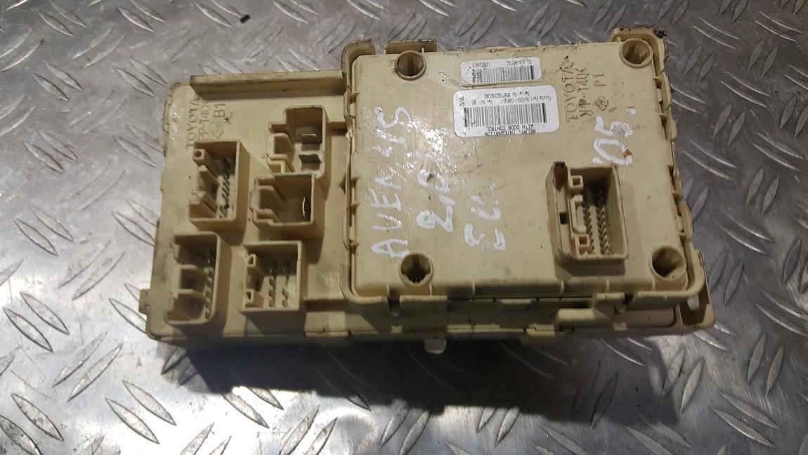 Блок предохранителей 82641CA010F 82641-CA010-F Toyota AVENSIS 2010 2.0
