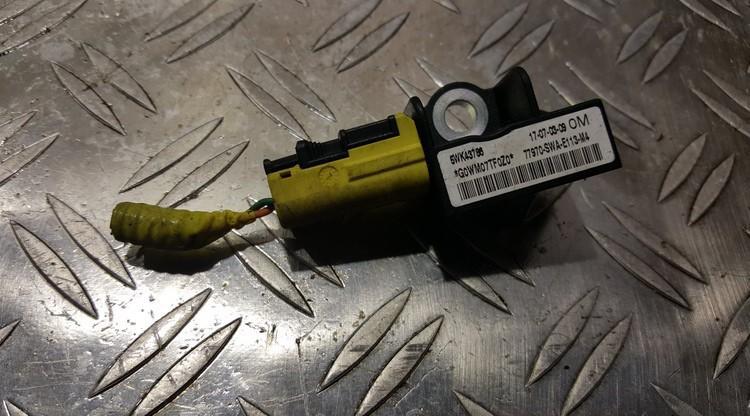 Srs Airbag crash sensor Honda CR-V 2007    0.0 5WK43786