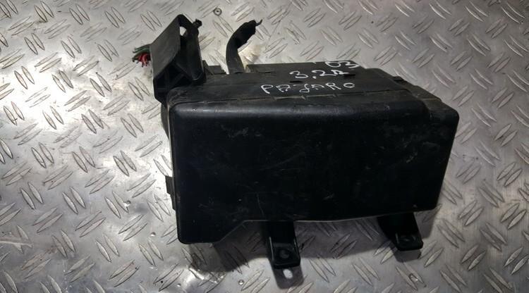 Fuse box  Mitsubishi Pajero 2003    3.2