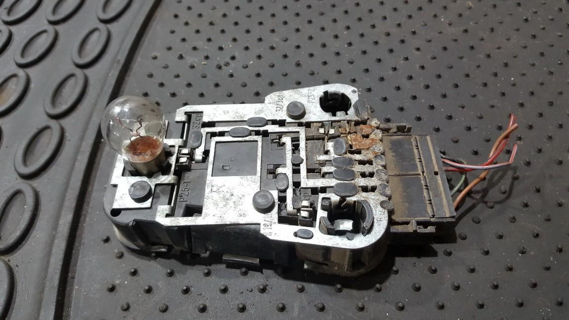 Galiniu zibintu plata 443945222 n/a Audi 100 1991 2.3