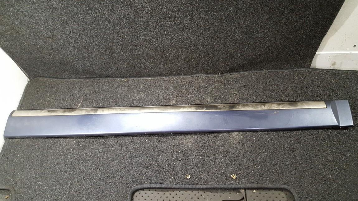 Накладка переднего бампера правый 877213a000 87721-3a000 Hyundai TRAJET 2002 2.0