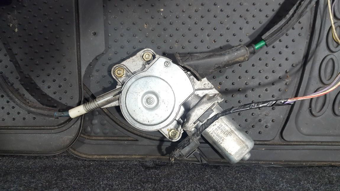 Duru lango pakelejo varikliukas P.D. 46751870 nenustatytas Alfa-Romeo 147 2001 1.6