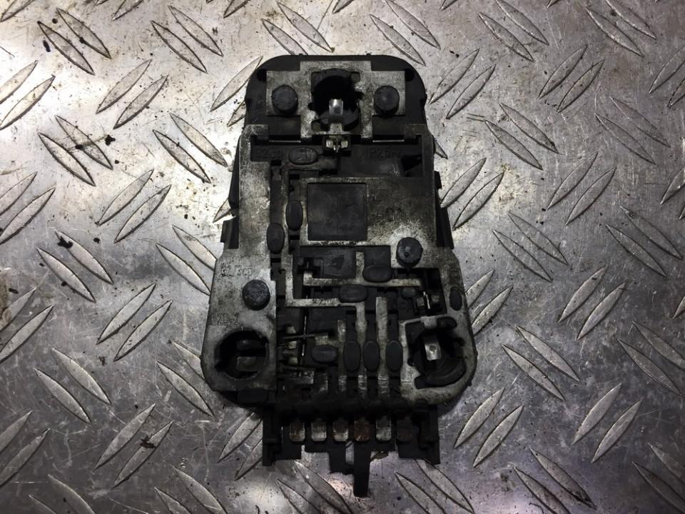 Galiniu zibintu plata 443945221 n/a Audi 100 1985 2.0