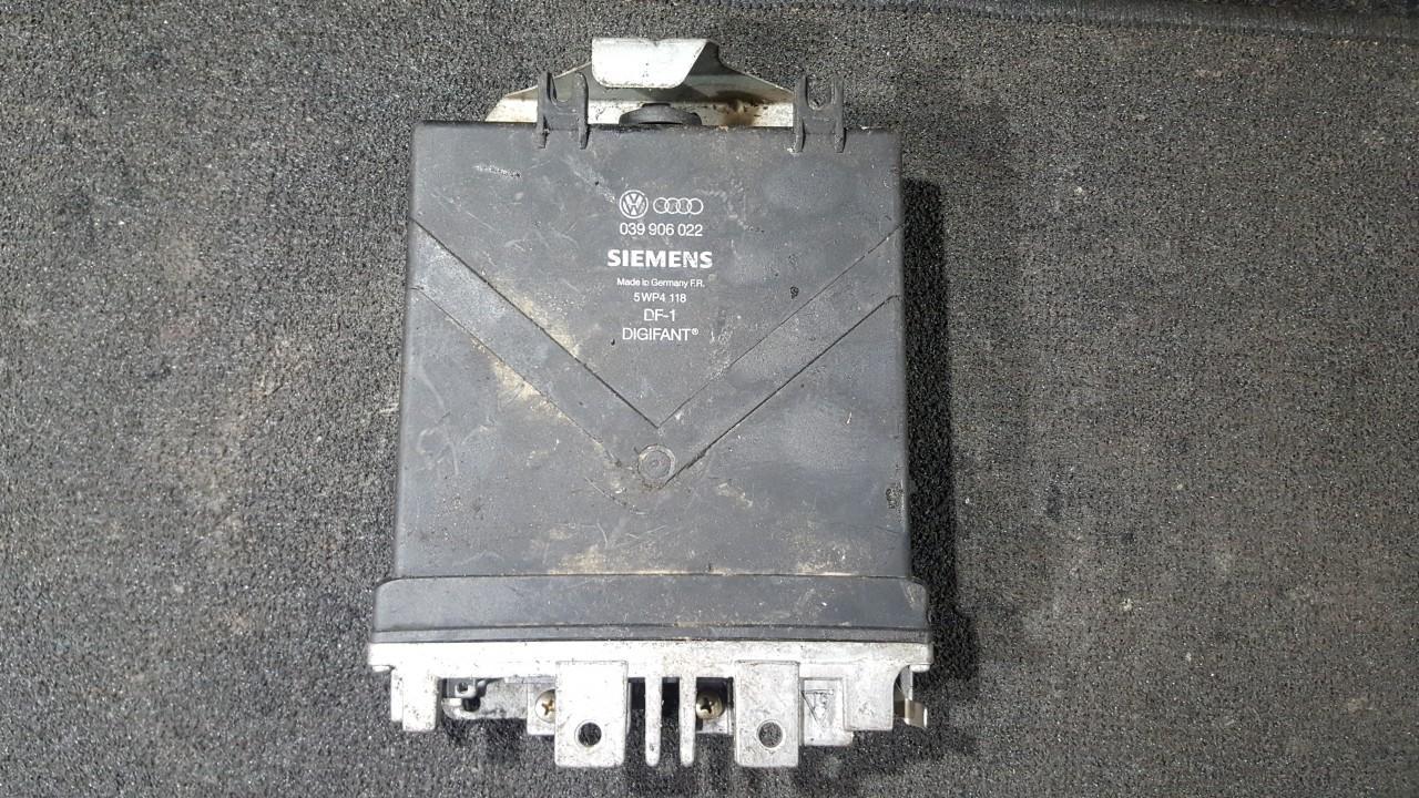ECU Engine Computer (Engine Control Unit) 039906022 9105812, 105678 Audi 80 1985 1.8