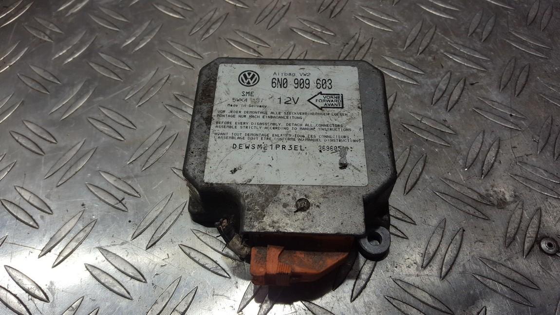 SRS AIRBAG KOMPIUTERIS - ORO PAGALVIU VALDYMO BLOKAS 6n0909603 5wk4137 Volkswagen GOLF 1994 1.9