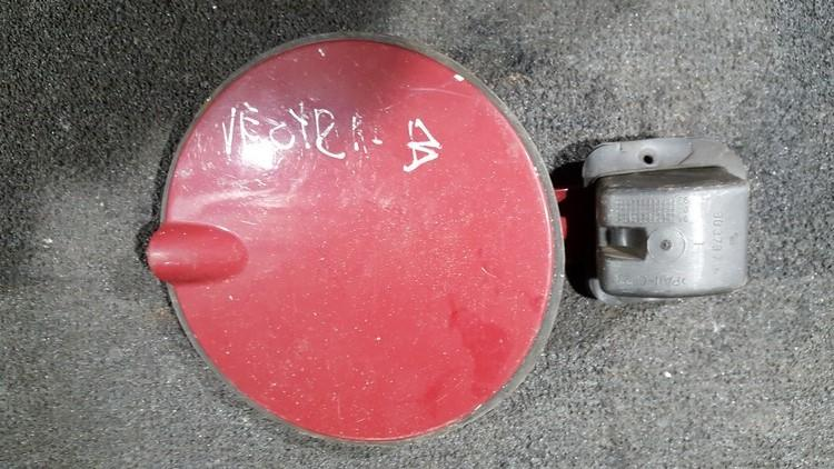 Kuro bako dangtelis isorinis nenustatytas nenustatytas Opel VECTRA  2.0