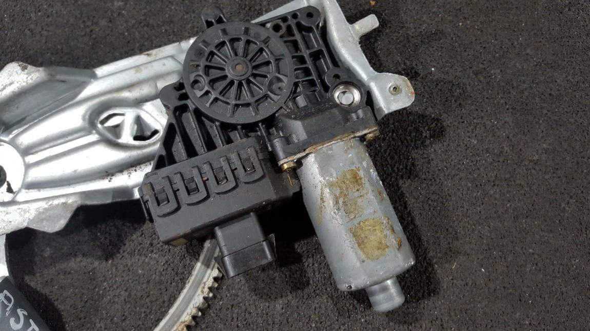 Duru lango pakelejo varikliukas P.K. NENUSTATYTA nenustatyta Opel ASTRA 1996 1.7