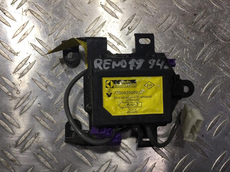 Airbag crash sensors module Renault 19 1995    0.0 7700839009c