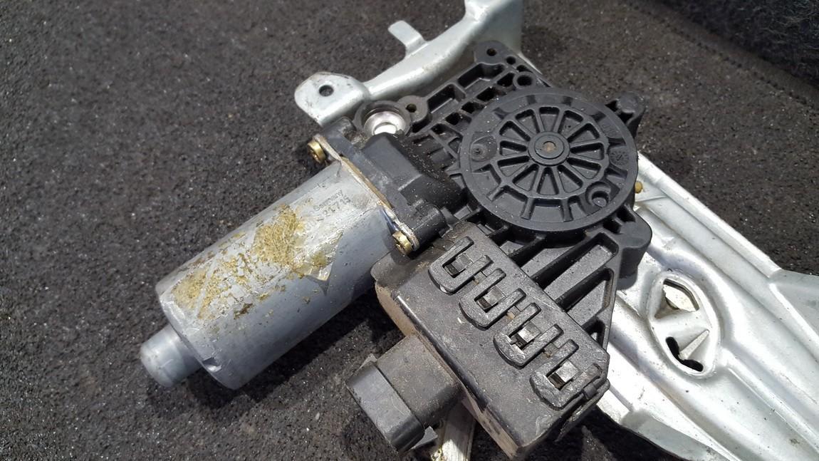 Duru lango pakelejo varikliukas P.D. 0130321715 nenustatyta Opel ASTRA 1998 2.0