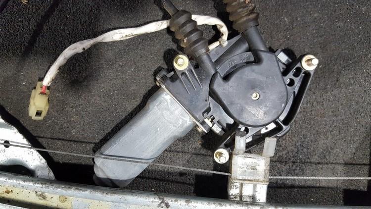 Duru lango pakelejo varikliukas nenustatytas nenustatytas Mazda 323 1994 1.5