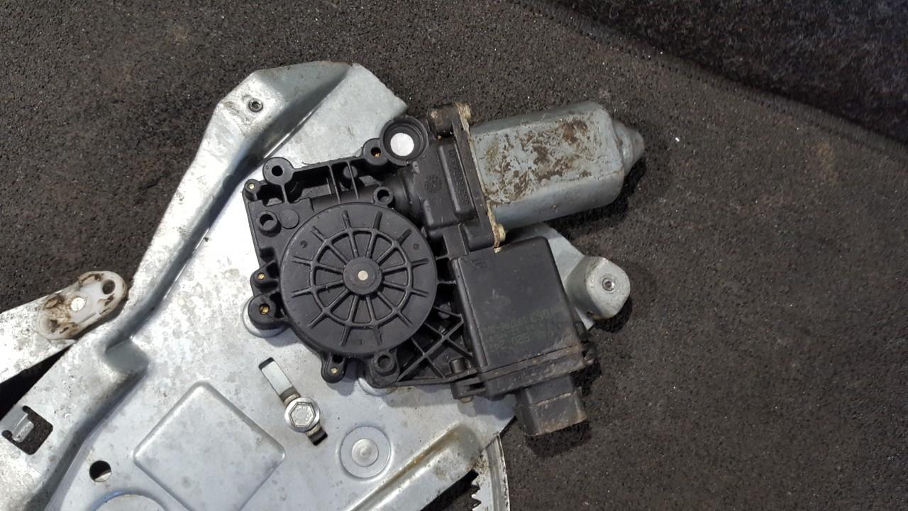 Opel  Omega Duru lango pakelejo varikliukas P.K.