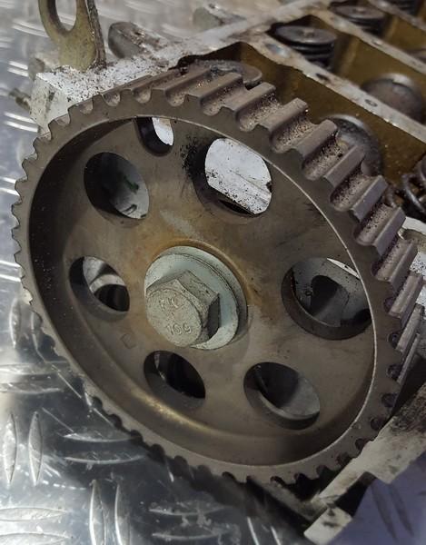 Paskirstymo veleno dantratis (skyvas - skriemulys) NENUSTATYTA nenustatyta Peugeot 206 2001 1.6