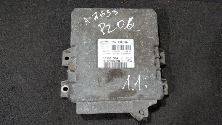 ECU Engine Computer  Peugeot 206 2000    1.1 9637086880e
