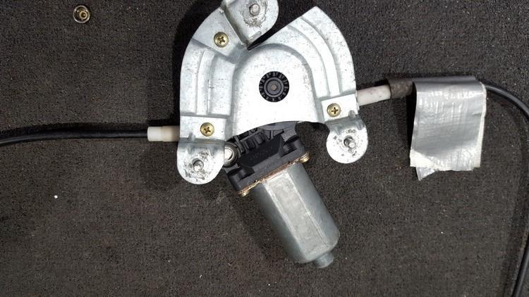 Duru lango pakelejo varikliukas P.D. 0130821721 nenustatytas Renault MEGANE 2002 1.5