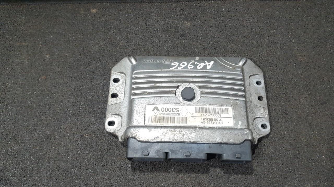 ECU Engine Computer  Renault Megane 2003    1.6 8200298457