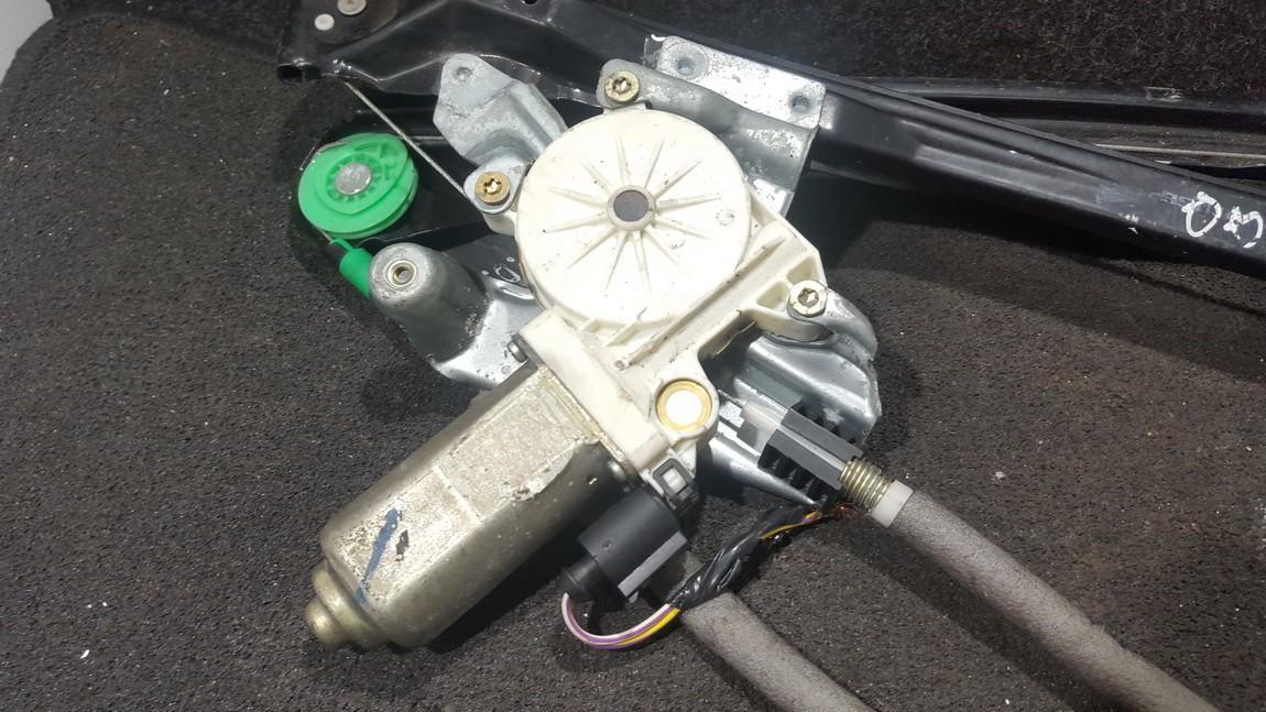 Duru lango pakelejo varikliukas P.D. NENUSTATYTA n/a Ford FOCUS 2001 1.8
