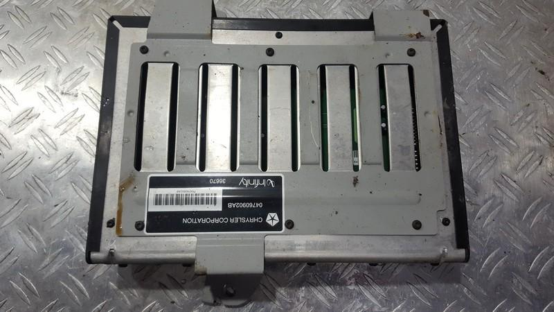 Audio amplifier Chrysler 300M 2000    2.7 04760902AB