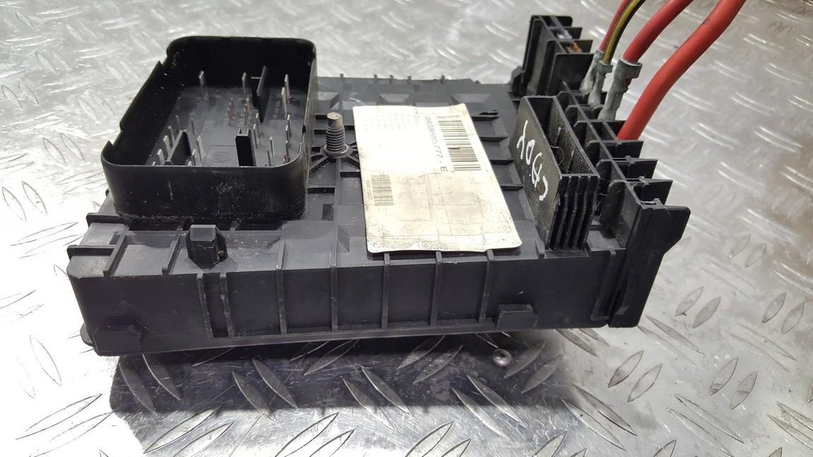 Fuse box  Volkswagen Caddy 2006    0.0 017181301