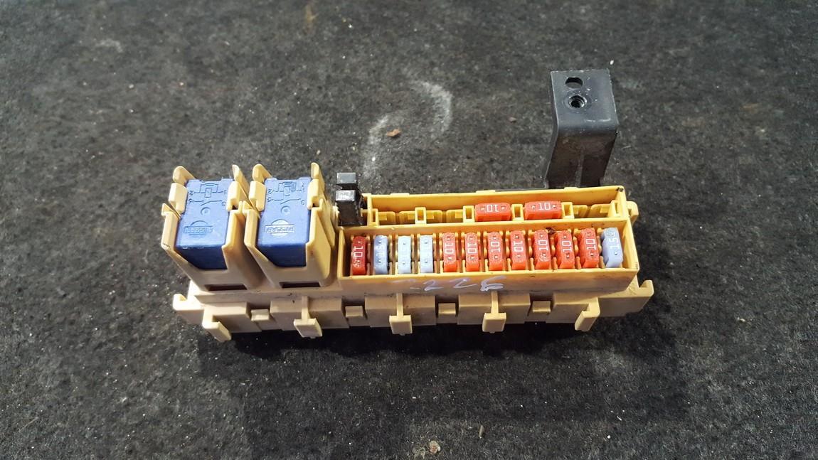 Fuse box  Nissan Micra 2008    1.2