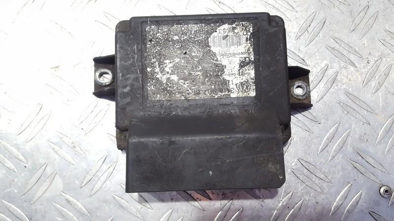 Parking Sensor ECU Volkswagen Passat 2007    1.9 3c8907801e