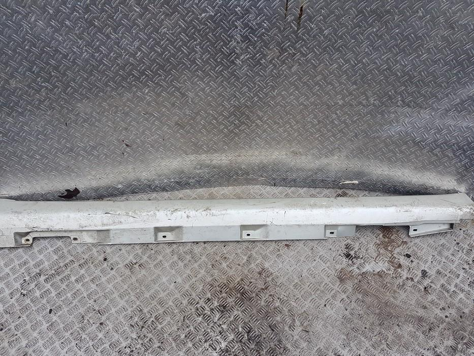 Left Sill Moulding Toyota Corolla Verso 2003    1.8