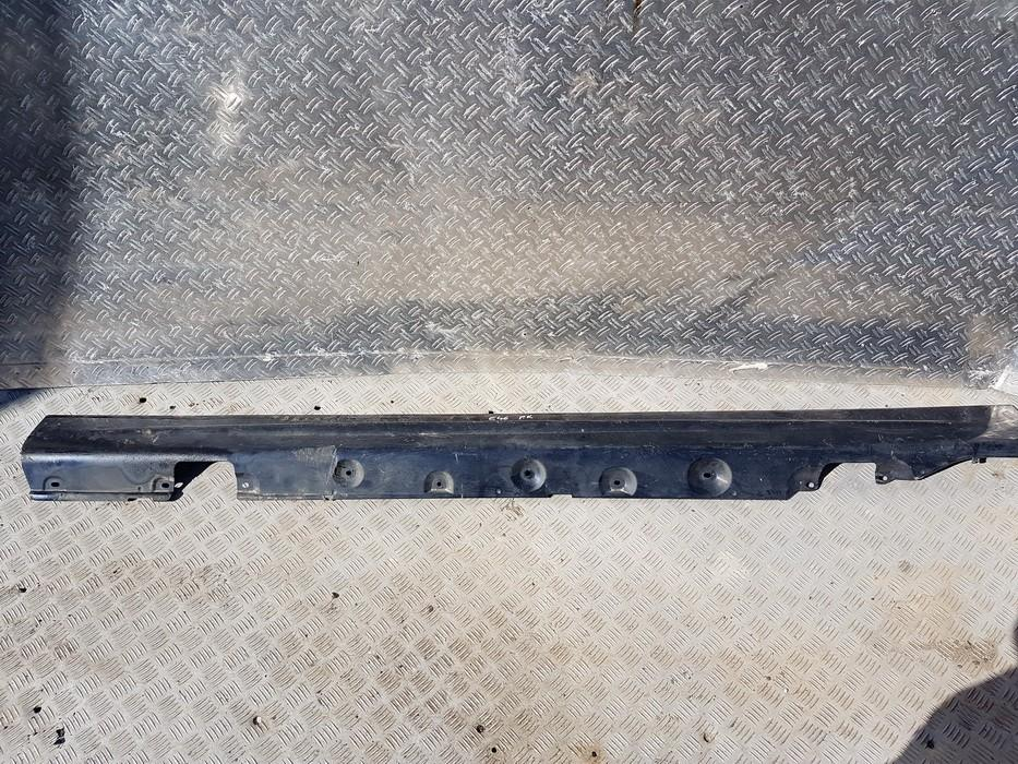 Left Sill Moulding BMW 3-Series 2000    1.8