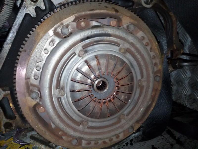 Sankabos komplektas NEPLAUKIOJANTI   Opel ASTRA 1994 1.7