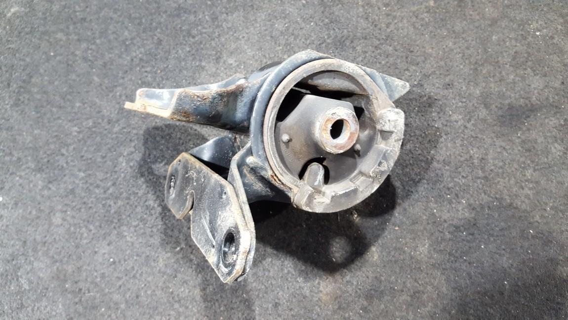 Variklio pagalves bei Greiciu dezes pagalves nenustatytas nenustatytas Mazda 6 2014 2.2