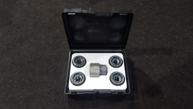 Vehicle Wheel Nuts  kit Opel Insignia 2012    2.0