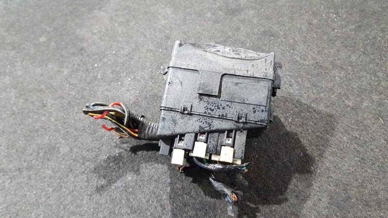 e1904g28a fuse box mazda mx 3 1993 1 6l 29eur eis00017272 used fuse box mazda mx 3 1991 1998