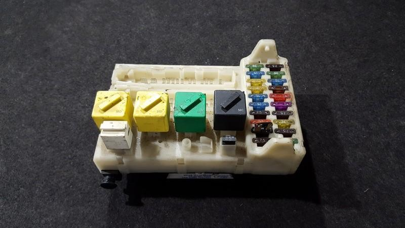 Fuse box  Ford Mondeo 1995    1.8 93bg14a073ee