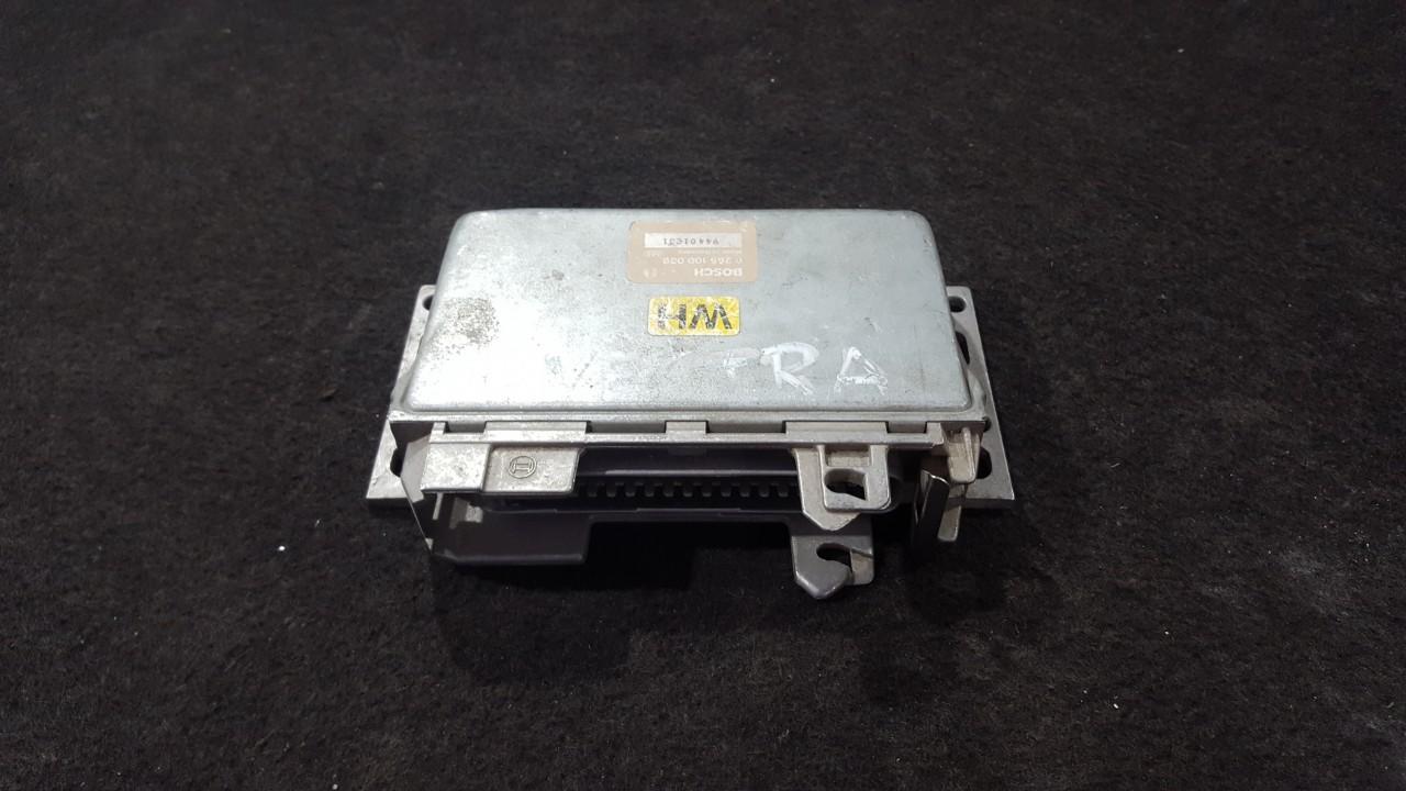 Variklio kompiuteris 0265100039 0 265 100 039 Opel VECTRA 1996 2.0