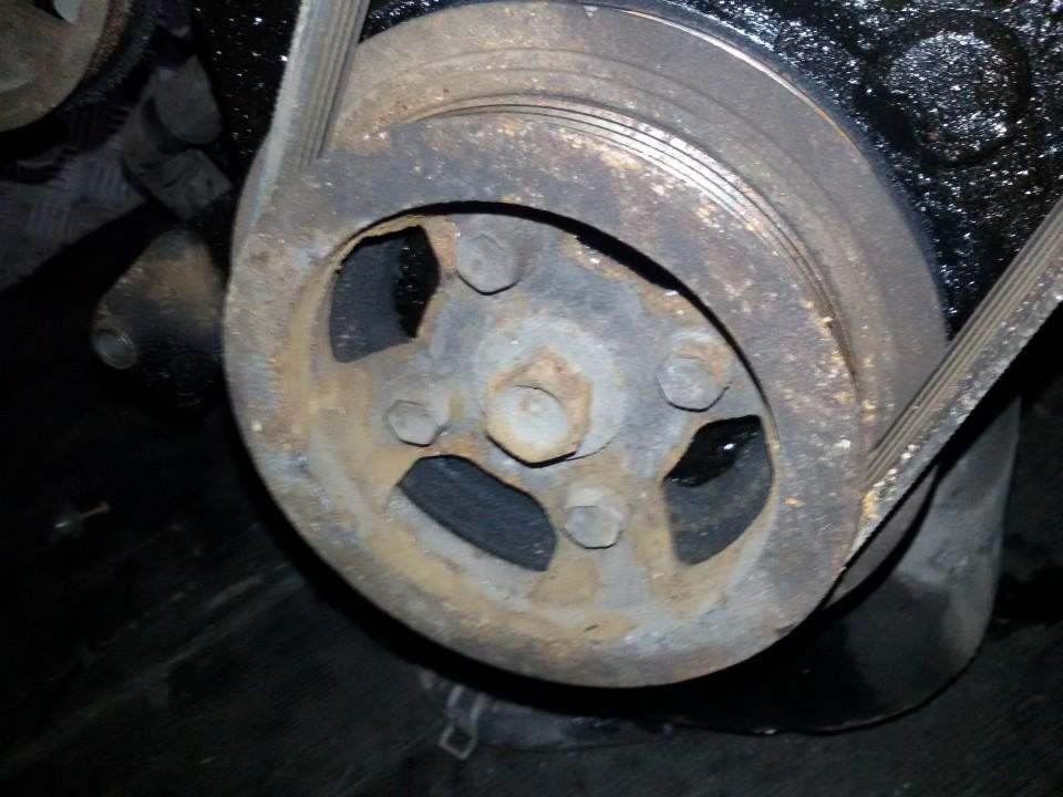 Alkuninio veleno dantratis (skyvas - skriemulys) NENUSTATYTA    Toyota COROLLA 1994 1.3