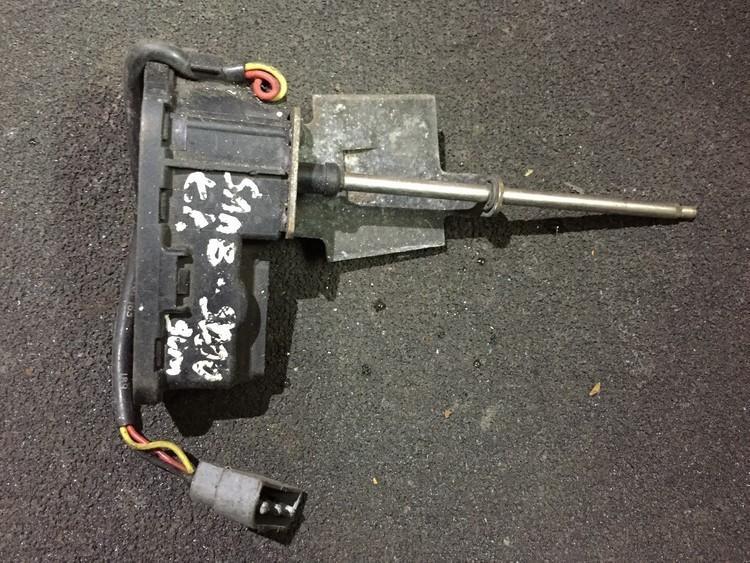 Head lamp wiper motor SAAB 9000 1990    0.0 0390206821