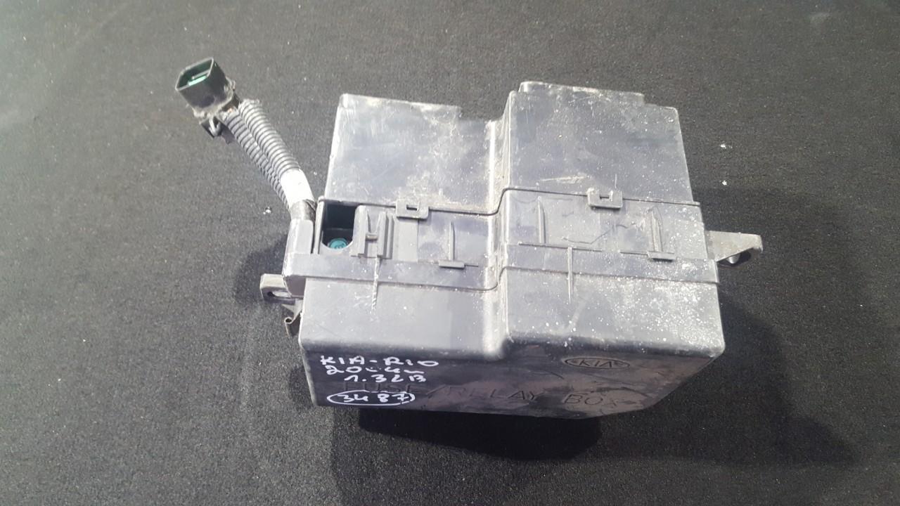 0402250124 Fuse box Kia Rio 2004 1.3L 16EUR EIS00208641