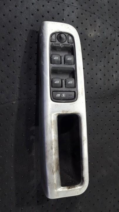 Knopka 8663815 31264916 Volvo V50 2005 2.4