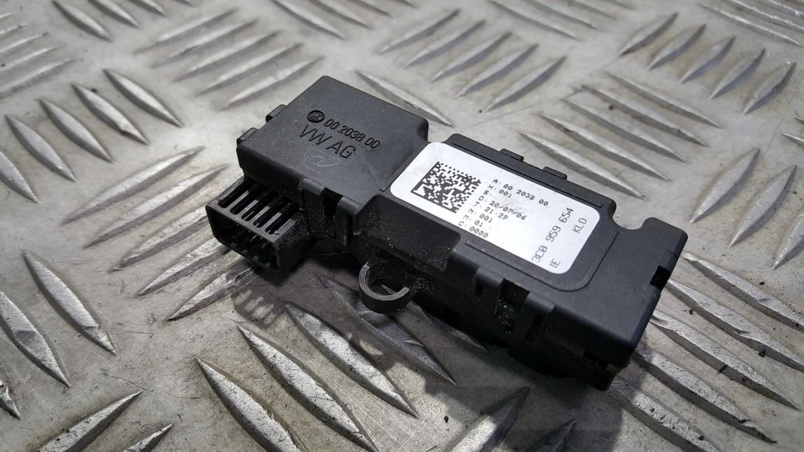 Steering angle sensor Volkswagen Passat 2006    0.0 3C0959654