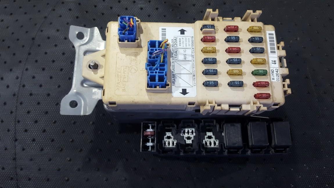 Saugikliu deze NENUSTATYTA NENUSTATYTA Subaru IMPREZA 2004 2.0