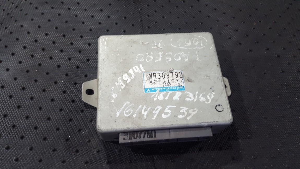 ABS kompiuteris MR309792 X2T31077 Mitsubishi PAJERO 2001 3.2