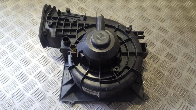 Salono ventiliatorius 27200bn815 n/a Nissan ALMERA 2000 2.2