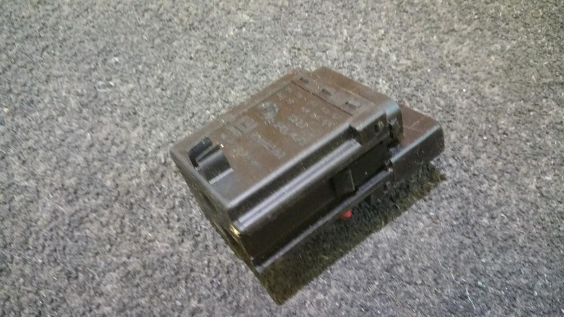 Glow plug relay BMW 5-Series 2000    2.5 12212246473