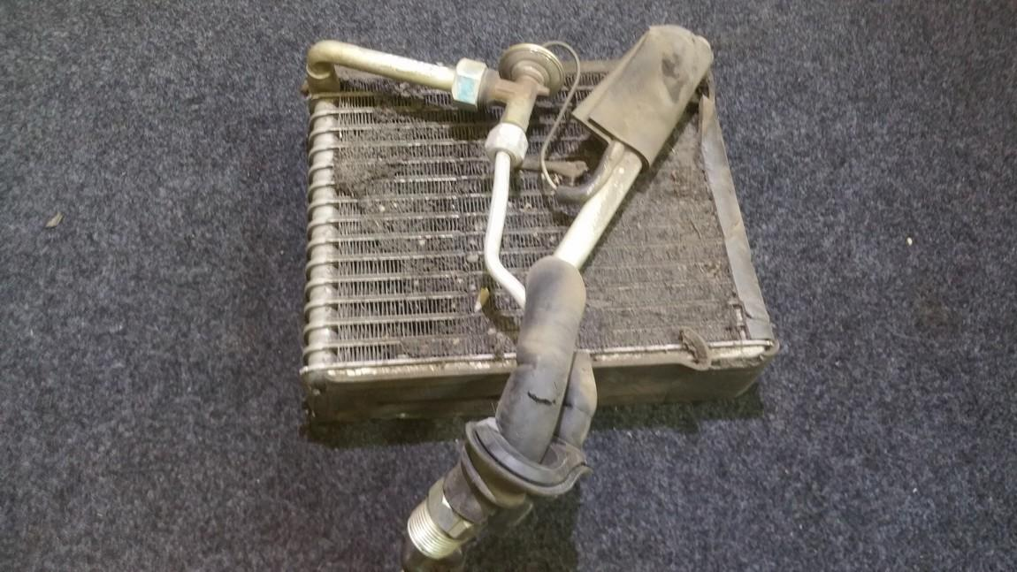 Salono peciuko radiatorius 10b6a531 n/a Daihatsu SIRION 2000 1.3
